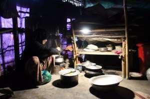 昕诺飞携手孟加拉国组织,为46000户罗兴亚家庭提供太阳能灯具配电柜箱